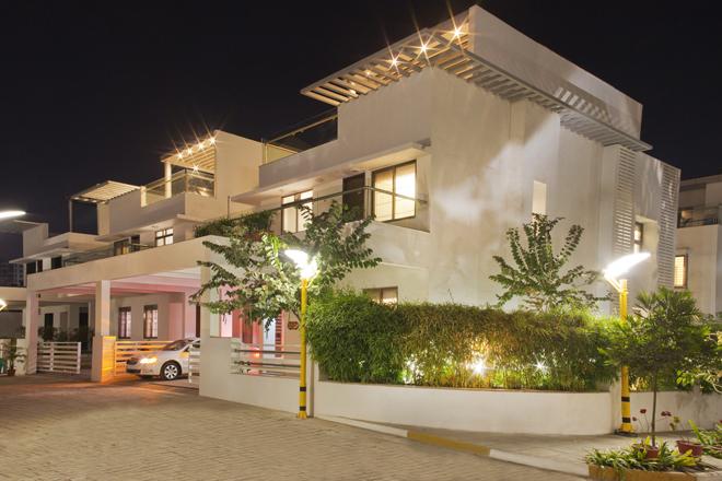 Bloomfield Villa
