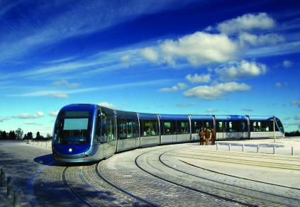 XDSC_7576-tramway-Bordeaux-ligne-B-place-des-Quinconces