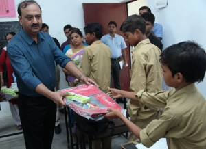 Manoj Gaur, MD, Gaursons India Ltd. distributed stationary @ primary school in hybatpur