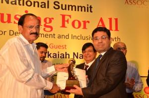 SARE Homes awarded as 'Best Mid segment Developer - Gurgaon by Assocham (2)
