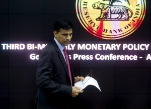 Reserve Bank of India (RBI) Governor Raghuram Rajan arrives for a news conference after the bi-monthly monetary policy review in Mumbai