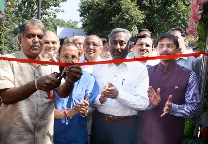 Shri PK Sinha, Cabinet Secretary, Govt of India inaugurating on Oct 2, 2015, a Swachh Public Toilet implemented by NBCC on Ring Road at Bhikaji Kama Place, New Delhi